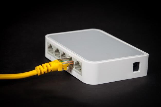 Router Fisik / Hardware